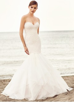 Trumpet/Mermaid Strapless Sweetheart Court Train Organza Lace Wedding Dress With Lace