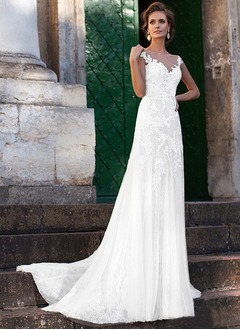 A-Line/Princess V-neck Court Train Lace Wedding Dress With Lace Appliques Lace (0025132153)