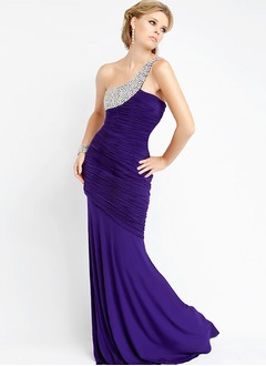 Trumpet/Mermaid One-Shoulder Sweep Train Chiffon Prom Dress With Ruffle Beading