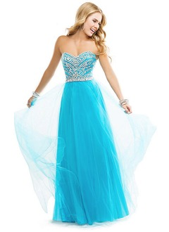 A-Line/Princess Strapless Sweetheart Sweep Train Tulle Prom Dress With Beading