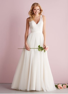 A-Line/Princess V-neck Sweep Train Tulle Wedding Dress With Appliques Lace