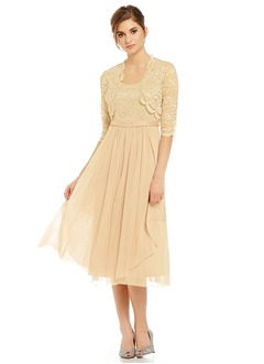 A-Line/Princess Scoop Neck Tea-Length Tulle Mother of the Bride Dress With Lace