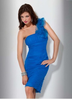 Sheath/Column One-Shoulder Knee-Length Organza Cocktail Dress With Ruffle Flower(s)