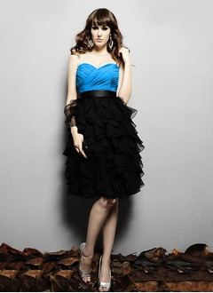 A-Line/Princess Strapless Sweetheart Knee-Length Chiffon Evening Dress With Ruffle