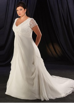 A-Line/Princess V-neck Chapel Train Chiffon Wedding Dress With Ruffle Lace Beading