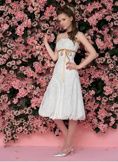 A-Line/Princess Scalloped Neck Knee-Length Taffeta Lace Wedding Dress With Ruffle Sash Bow(s)