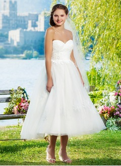 Ball-Gown Strapless Sweetheart Tea-Length Tulle Wedding Dress With Ruffle Appliques Lace