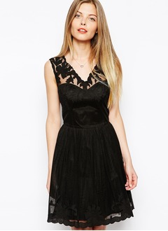 A-Line/Princess V-neck Short/Mini Chiffon Tulle Prom Dress With Appliques Lace