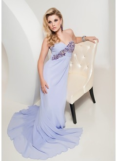 A-Line/Princess Sweetheart Court Train Chiffon Evening Dress With Ruffle Beading