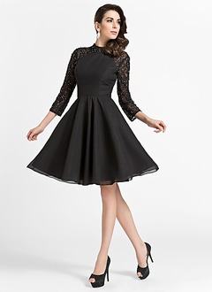 A-Line/Princess Scoop Neck Knee-Length Chiffon Lace Homecoming Dress With Beading