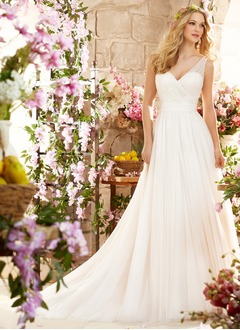 A-Line/Princess V-neck Court Train Tulle Wedding Dress With Ruffle