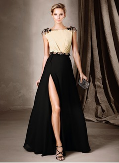 A-Line/Princess Scoop Neck Court Train Chiffon Evening Dress With Ruffle Beading Split Front