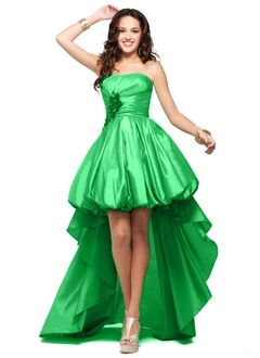 A-Line/Princess Strapless Asymmetrical Taffeta Prom Dress With Ruffle Flower(s)