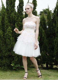 A-Line/Princess Strapless Knee-Length Tulle Wedding Dress With Ruffle Beading Flower(s)