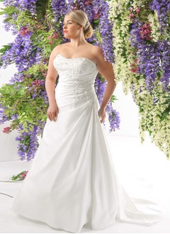 A-Line/Princess Strapless Sweetheart Court Train Satin Wedding Dress With Ruffle Beading Appliques Lace