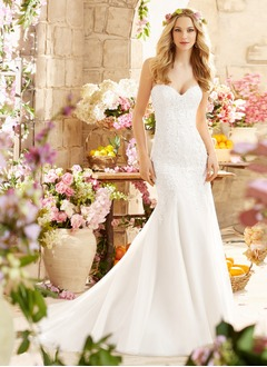 Trumpet/Mermaid Strapless Sweetheart Court Train Tulle Wedding Dress With Beading Appliques Lace