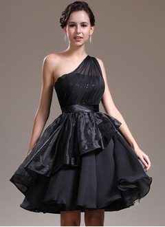 A-Line/Princess One-Shoulder Knee-Length Chiffon Organza Satin Sequined Prom Dress With Ruffle