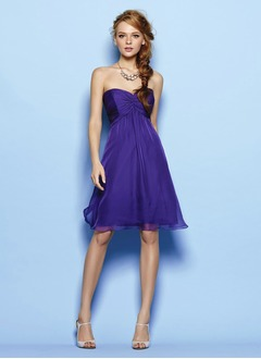 A-Line/Princess Strapless Sweetheart Knee-Length Chiffon Prom Dress With Ruffle