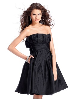 A-Line/Princess Scalloped Neck Short/Mini Taffeta Prom Dress With Ruffle