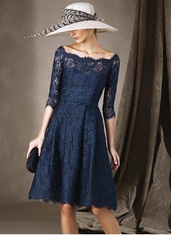 A-Line/Princess Scoop Neck Knee-Length Lace Mother of the Bride Dress With Ruffle Lace