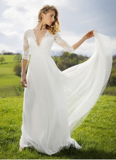 A-Line/Princess V-neck Sweep Train Tulle Wedding Dress With Lace