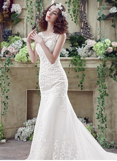 Sheath/Column Scoop Neck Court Train Lace Wedding Dress With Lace Appliques Lace