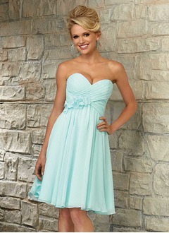 A-Line/Princess Strapless Sweetheart Knee-Length Chiffon Cocktail Dress With Ruffle Flower(s)