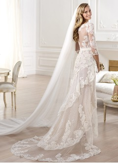 Sheath/Column V-neck Asymmetrical Tulle Lace Wedding Dress