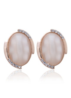 Elegant Alloy With Crystal Women's Earrings