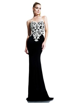 Sheath/Column Strapless Sweetheart Sweep Train Chiffon Evening Dress With Appliques Lace