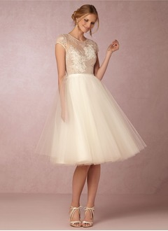 A-Line/Princess Scoop Neck Knee-Length Tulle Wedding Dress With Lace