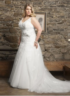 A-Line/Princess V-neck Chapel Train Tulle Wedding Dress With Beading Appliques Lace Flower(s)