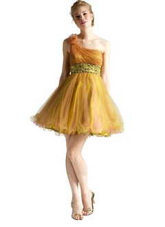 A-Line/Princess One-Shoulder Short/Mini Satin Tulle Homecoming Dress With Ruffle Beading