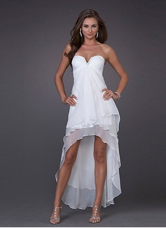 A-Line/Princess Strapless Sweetheart Asymmetrical Chiffon Cocktail Dress With Ruffle Beading