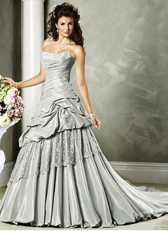 A-Line/Princess Strapless Sweetheart Chapel Train Taffeta Lace Wedding Dress With Ruffle Beading