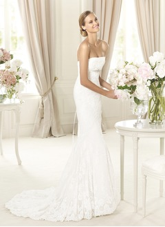 Trumpet/Mermaid Strapless Sweetheart Sweep Train Lace Wedding Dress With Sash Beading