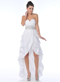A-Line/Princess Strapless Asymmetrical Taffeta Prom Dress With Ruffle Beading
