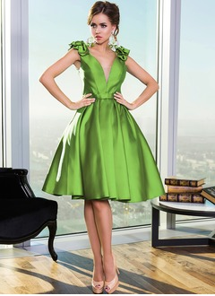 A-Line/Princess V-neck Knee-Length Satin Cocktail Dress With Ruffle Flower(s)
