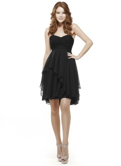 A-Line/Princess Strapless Sweetheart Short/Mini Chiffon Cocktail Dress With Ruffle