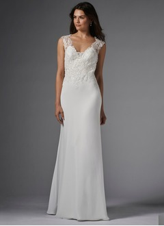 Sheath/Column Scoop Neck Sweep Train Chiffon Wedding Dress With Appliques Lace
