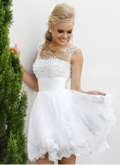 A-Line/Princess Scoop Neck Short/Mini Tulle Lace Homecoming Dress With Beading