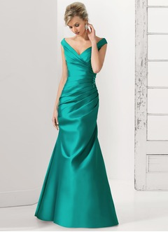 Trumpet/Mermaid V-neck Off-the-Shoulder Sweep Train Charmeuse Mother of the Bride Dress With Ruffle