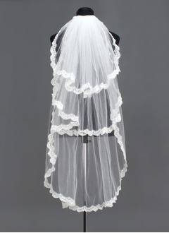 Three-tier Fingertip Bridal Veils With Lace Applique Edge