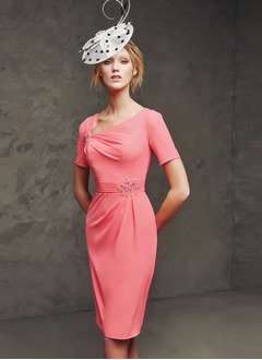Sheath/Column V-neck Knee-Length Chiffon Evening Dress With Beading Appliques Lace