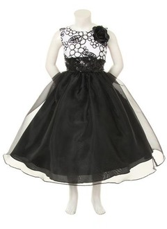 A-Line/Princess Scoop Neck Tea-Length Organza Satin Flower Girl Dress With Appliques Lace Flower(s) Sequins Bow(s)