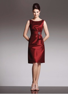 Sheath/Column Scoop Neck Knee-Length Taffeta Mother of the Bride Dress With Ruffle Crystal Brooch Bow(s)