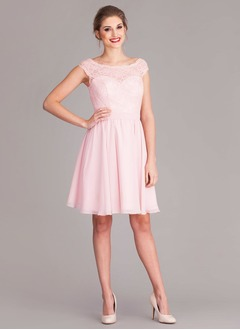 A-Line/Princess Scoop Neck Knee-Length Chiffon Bridesmaid Dress With Lace