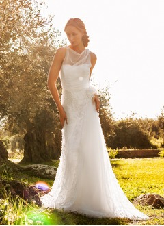 A-Line/Princess Scoop Neck Sweep Train Tulle Wedding Dress With Appliques Lace Flower(s)