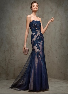 Trumpet/Mermaid Strapless Sweep Train Tulle Evening Dress With Appliques Lace