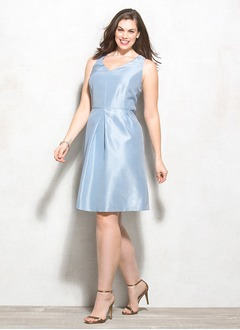 Sheath/Column V-neck Knee-Length Charmeuse Mother of the Bride Dress With Ruffle
